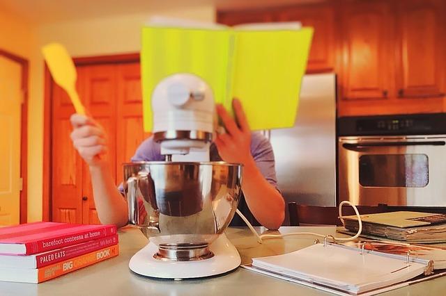 čtení z kuchařky.jpg