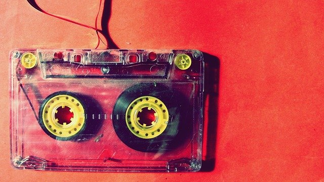 kazetová páska.jpg