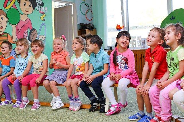 děti ve třídě.jpg